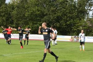 Wie im Hinspiel durften unsere Germanen auch im Rückspiel gegen den Heeslinger SC jubeln.